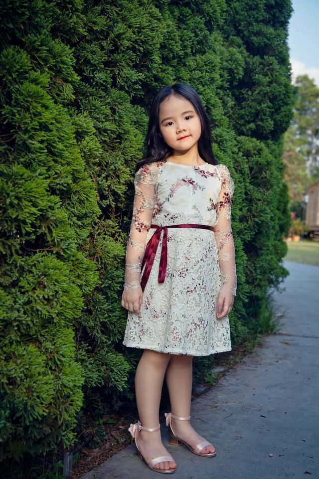 """Nhìn bộ ảnh nhà Trang Nhung là hiểu sức mạnh của """"gen trội"""": Nàng mẫu nóng bỏng, cháu gái từng thi Hoa hậu nổi bần bật - ảnh 5"""