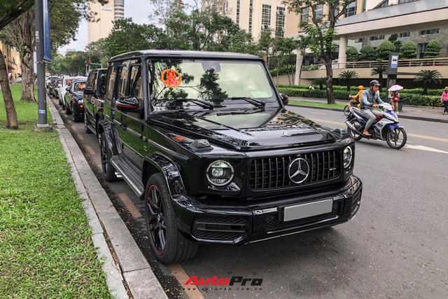 HOT: Loạt xe khủng đưa dâu trong đám hỏi Phan Thành, chú rể cầm lái Rolls-Royce Wraith 34 tỷ đồng - ảnh 4