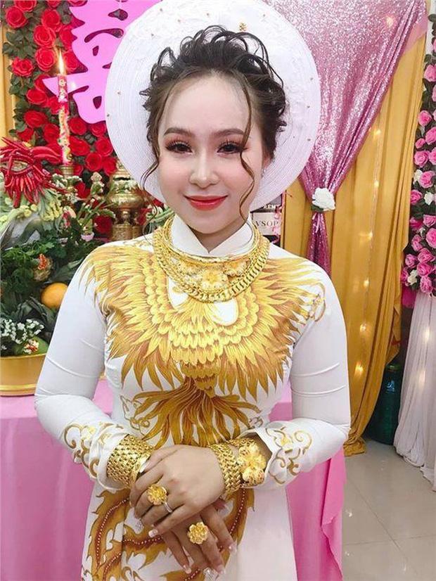 Cô dâu đeo vàng mỏi cổ và cầm tiền trĩu tay trong đám cưới, dân mạng được phen trầm trồ: Nhìn thôi cũng muốn cưới liền! - ảnh 8