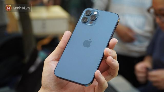 Vì sao bạn nên mua iPhone 12 chính hãng và nói không với hàng xách tay? - ảnh 2