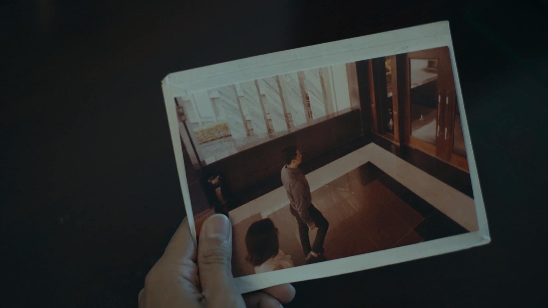 Huyền Lizzie chơi bạo, dùng hẳn mảnh đất siêu to để mua tự do cho Kiều Anh ở Hồ Sơ Cá Sấu tập 4 - Ảnh 2.