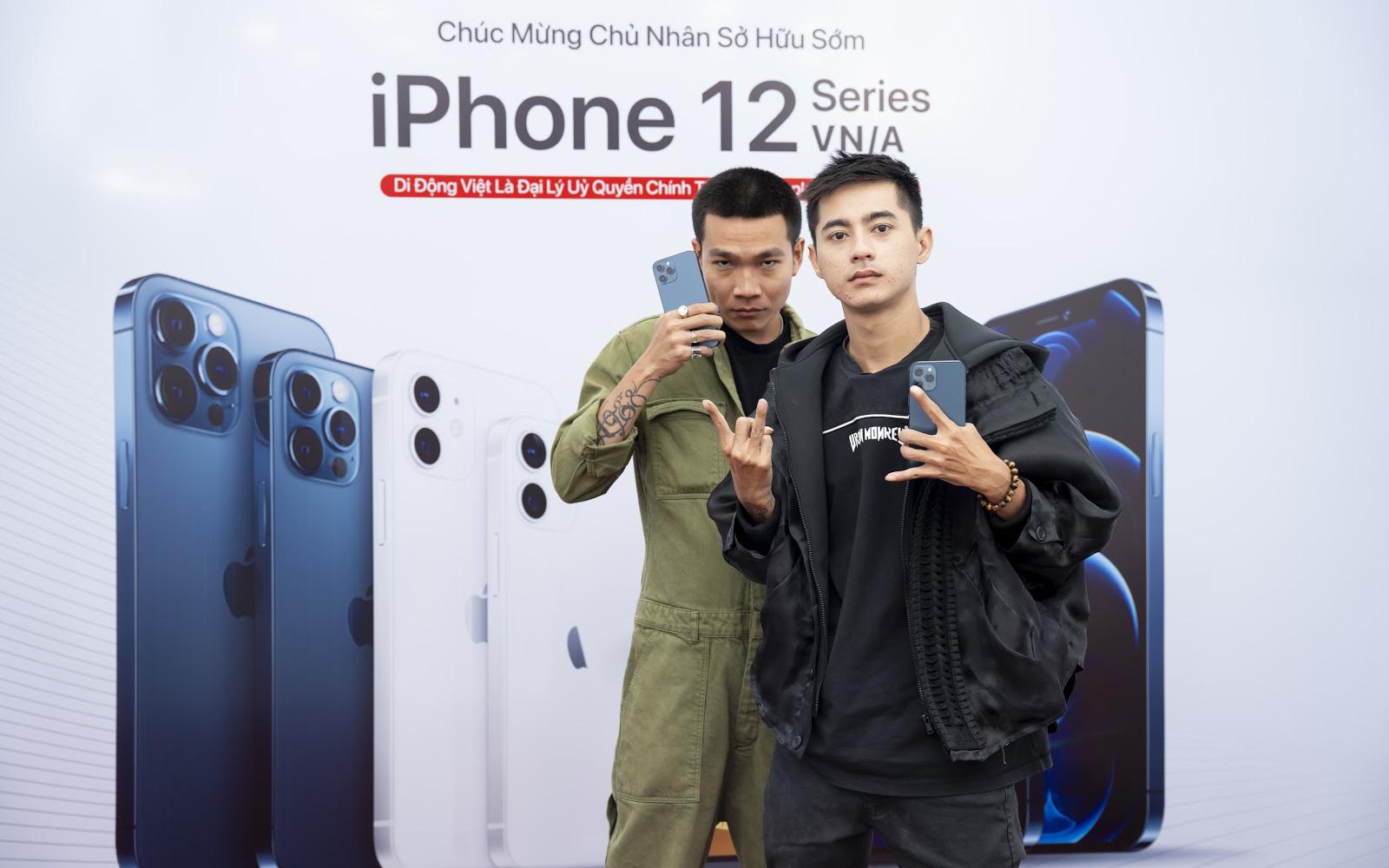 """Wowy dẫn Lăng LD đi mua iPhone 12 Pro Max ngay ngày đầu mở bán: """"Thầy nhà người ta"""" chưa bao giờ làm mình thất vọng"""