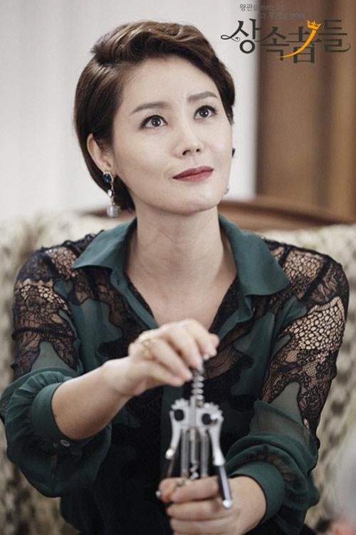 Mẹ Kim Tan Kim Sung Ryung khoe căn hộ cao cấp ở với chồng đại gia: View sông Hàn, bàn ăn khổng lồ khiến khách mời rớt hàm - ảnh 9