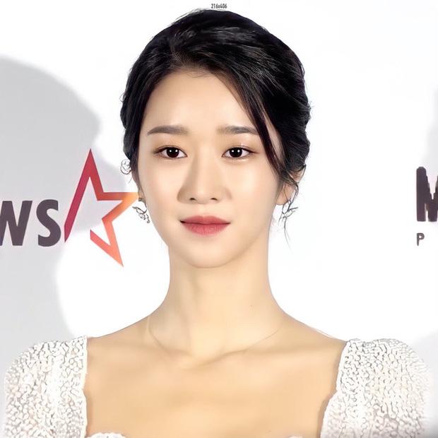 Kim Soo Hyun - Seo Ye Ji xúng xính như cô dâu chú rể lên nhận giải AAA 2020 - ảnh 7