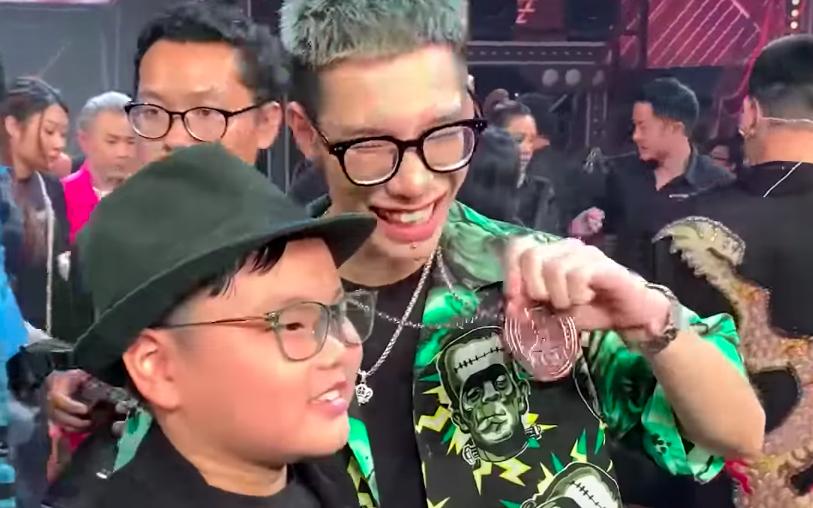 """""""Đốn tim"""" với khoảnh khắc con trai Xuân Bắc bày tỏ tình cảm với MCK: """"Chương trình rất hay nhưng mà hơi buồn idol"""""""