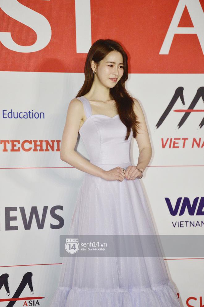 """Năm ngoái quân đoàn sao Hàn khuynh đảo thảm đỏ AAA ở Việt Nam: Yoona - Park Min Young đẹp xỉu, Ji Chang Wook, Red Velvet và dàn idol """"bùng nổ"""" - ảnh 15"""