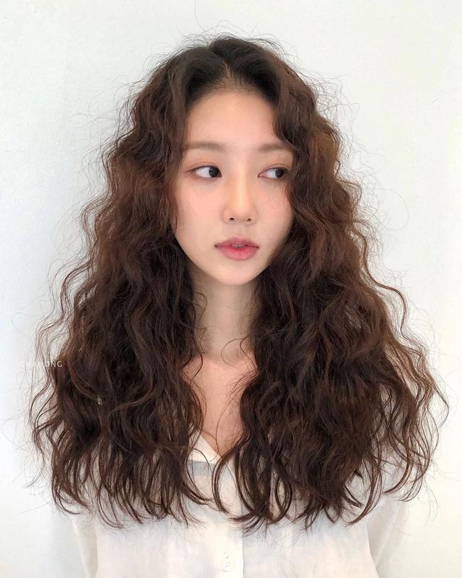 Thử nghiệm kiểu tóc xoăn hot năm nay, 3 cô nàng đơ người vì thà để lại tóc cũ còn đẹp hơn! - ảnh 9