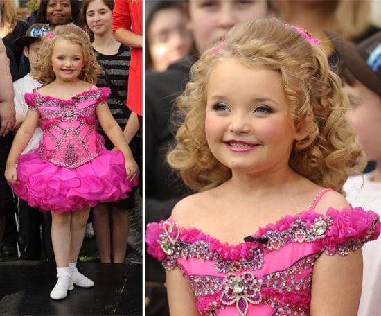 Hoa hậu nhí 6 tuổi nổi đình đám một thời sau 10 năm gây choáng với ngoại hình mới cùng câu chuyện buồn phía sau - ảnh 2