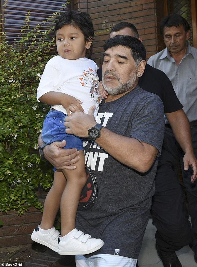 Lời nhắn cuối cùng của huyền thoại Maradona gửi cho bạn trai của tình cũ trước lúc mất: Hãy chăm sóc cô ấy và thiên thần nhỏ của tôi - ảnh 2