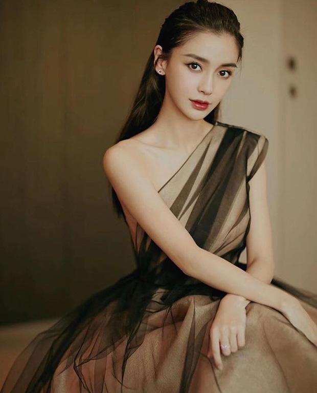 Yoona và Angela Baby xinh thật nhưng vẫn bị tiểu tam hot nhất màn ảnh Hàn lấn át khi đụng váy - Ảnh 6.