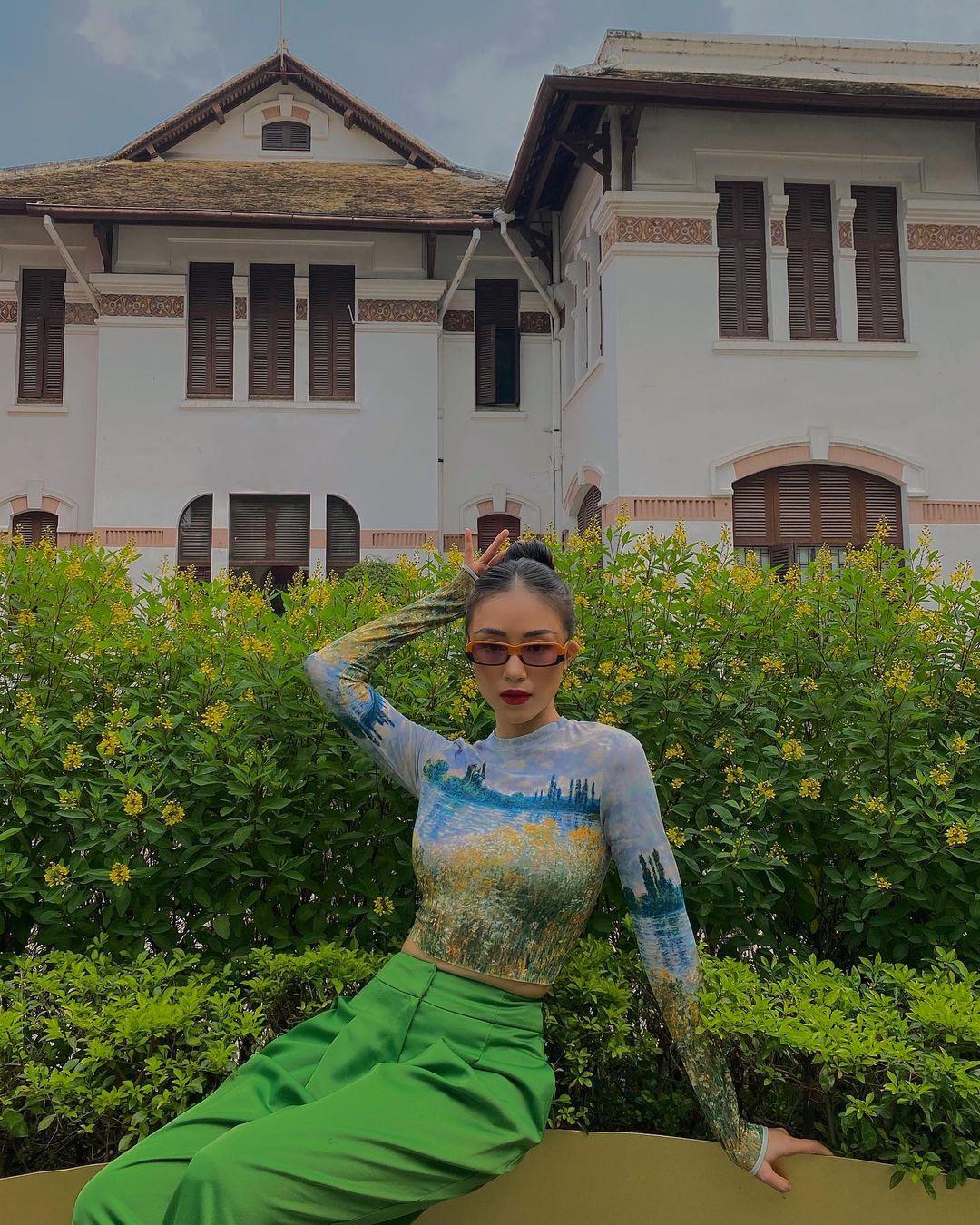 Instagram look của sao Việt tuần qua: Chi Pu khoe nội y lộ liễu, Huyền Baby mặc quần ngắn hiểm hóc - Ảnh 7.