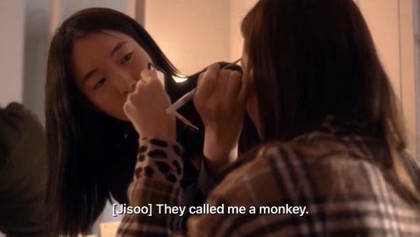 Xót xa trước 4 lời thú nhận của BLACKPINK: Jisoo từng bị họ hàng gọi là... khỉ, Lisa khóc suốt 3 tháng vì nhớ nhà - Ảnh 3.