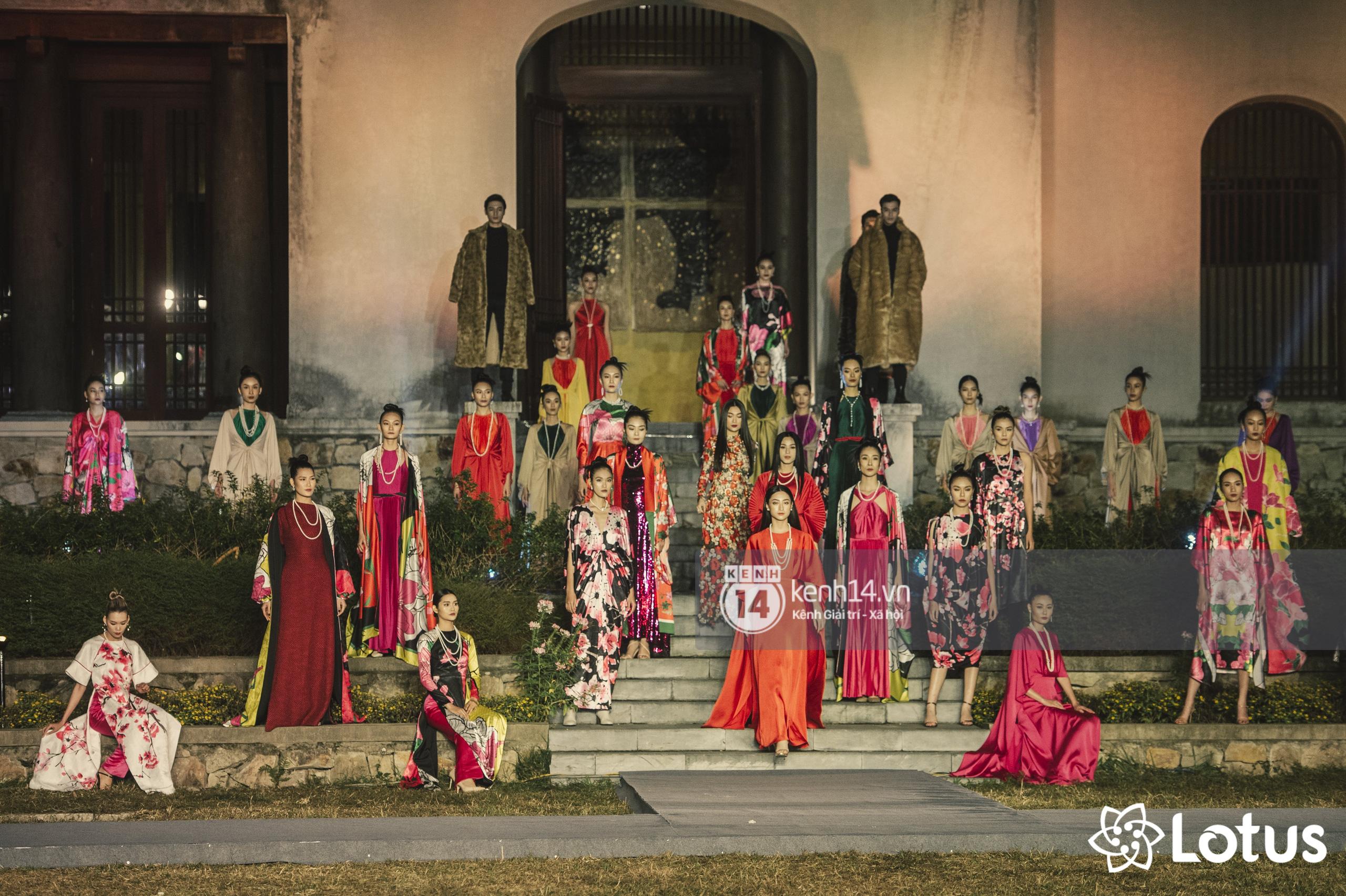 Lương Thuỳ Linh - Đỗ Hà nổi bần bật trong vị trí first face, Thanh Hằng bùng nổ với khí chất nữ thần tại show Đào của NTK Adrian Anh Tuấn - Ảnh 25.