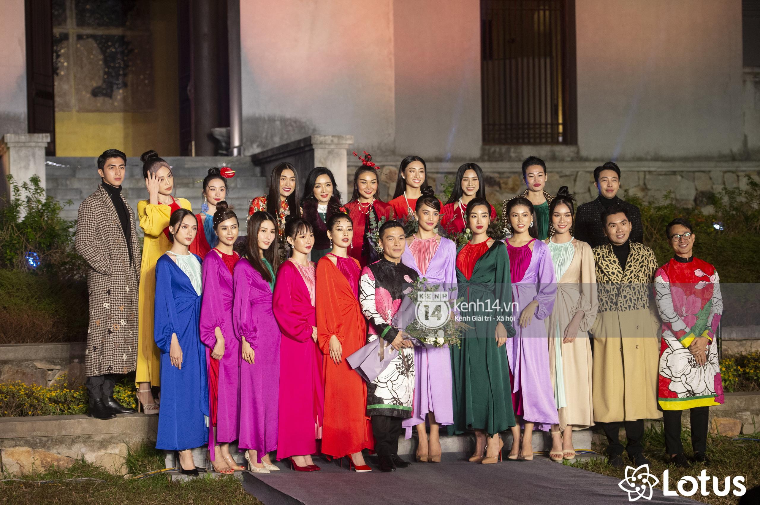 Lương Thuỳ Linh - Đỗ Hà nổi bần bật trong vị trí first face, Thanh Hằng bùng nổ với khí chất nữ thần tại show Đào của NTK Adrian Anh Tuấn - Ảnh 28.