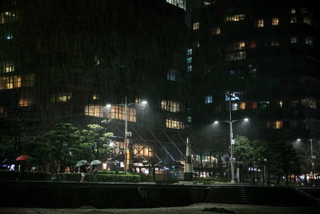 Bạo lực mạng khiến người nhiễm Covid-19 ở Hàn Quốc thêm chật vật khi thông tin cá nhân bị phơi bày, vấn nạn nhức nhối đoạt mạng hàng trăm nghìn người mỗi năm - ảnh 2