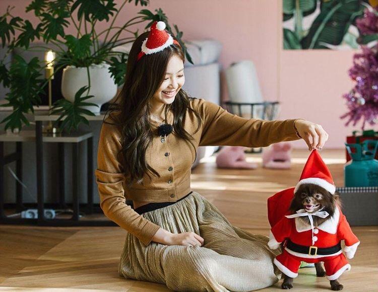 BLACKPINK lên đồ Giáng sinh xịn ghê, xem mà học được bao cách mix&match vừa ấm vừa xinh - Ảnh 8.