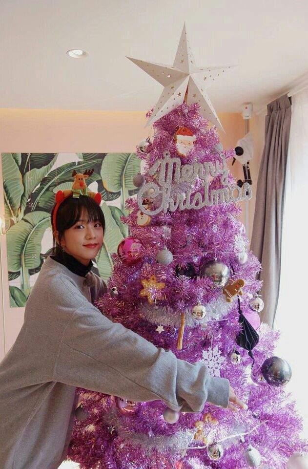 BLACKPINK lên đồ Giáng sinh xịn ghê, xem mà học được bao cách mix&match vừa ấm vừa xinh - Ảnh 3.