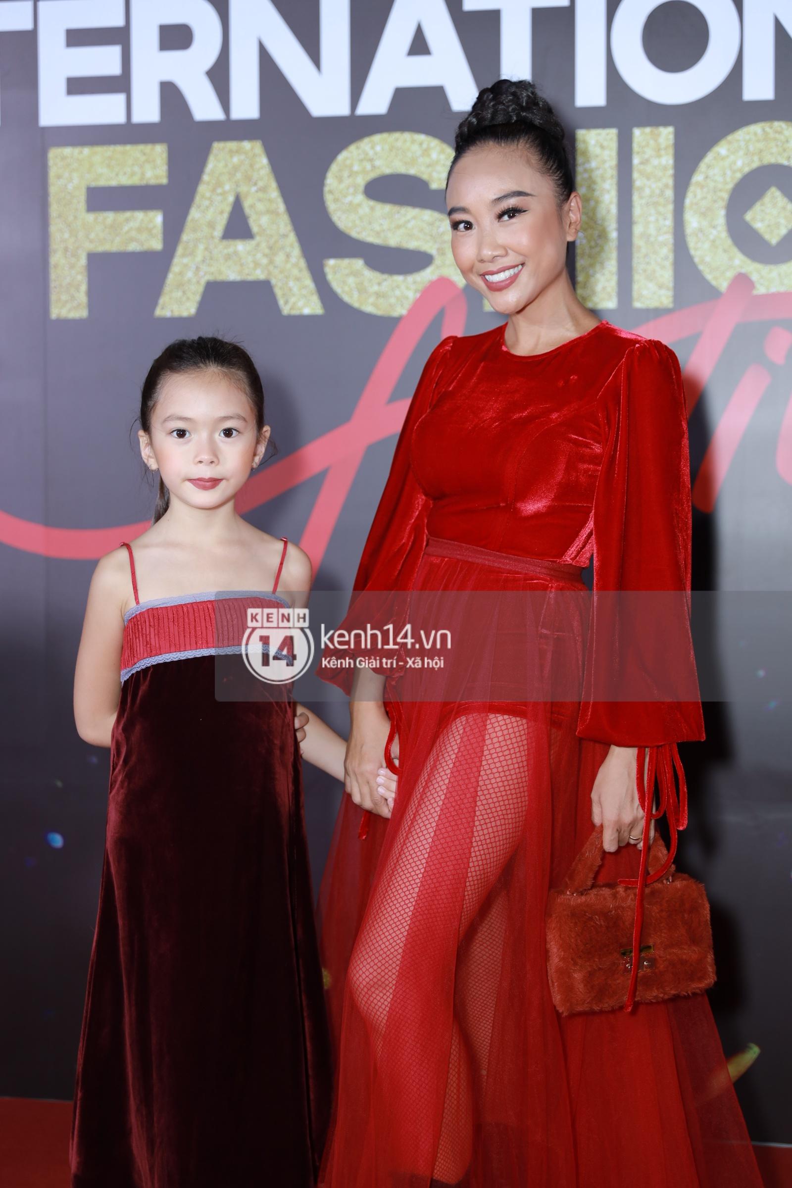Thảm đỏ VIFF ngày 2: Lãnh Thanh - Trọng Hiếu Idol nổi bật, người mẫu Anh Thư gây thất vọng tràn trề vì set đồ sai sai - Ảnh 4.