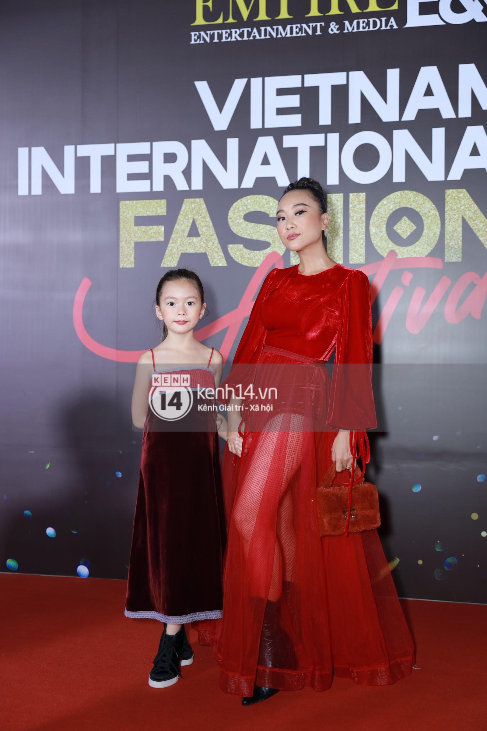 Thảm đỏ VIFF ngày 2: Lãnh Thanh - Trọng Hiếu Idol nổi bật, người mẫu Anh Thư gây thất vọng tràn trề vì set đồ sai sai - Ảnh 5.