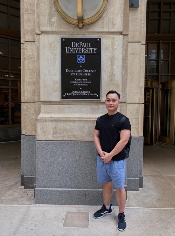Con trai dốt văn của Quang Thắng: Mới ngày nào còn đóng Gặp Nhau Cuối Tuần giờ cực đẹp trai, còn học trường siêu xịn thế này - Ảnh 5.