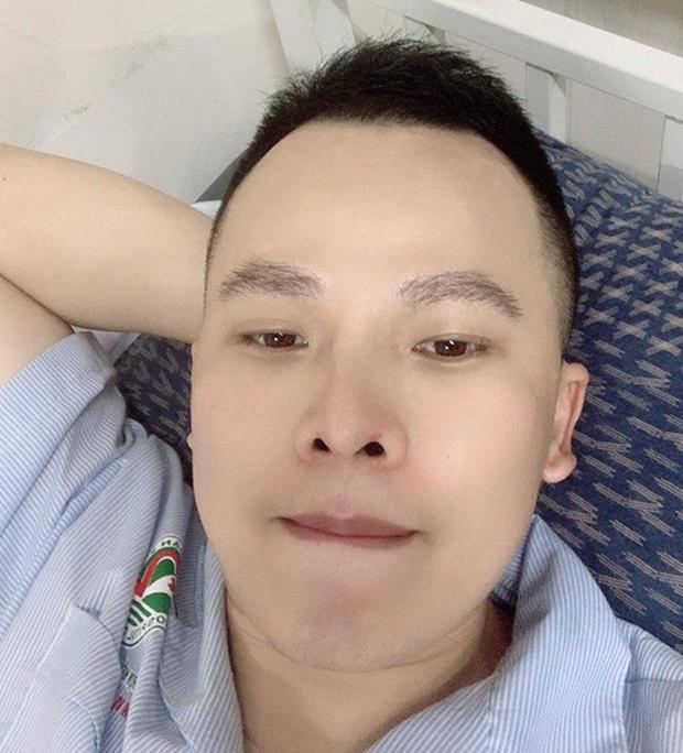"""Mặc kệ bị netizen réo gọi, Vũ Khắc Tiệp vẫn khoe sinh nhật hoành tráng và chanh sả"""" bên cạnh hội bạn thân tại Cam Ranh - ảnh 4"""