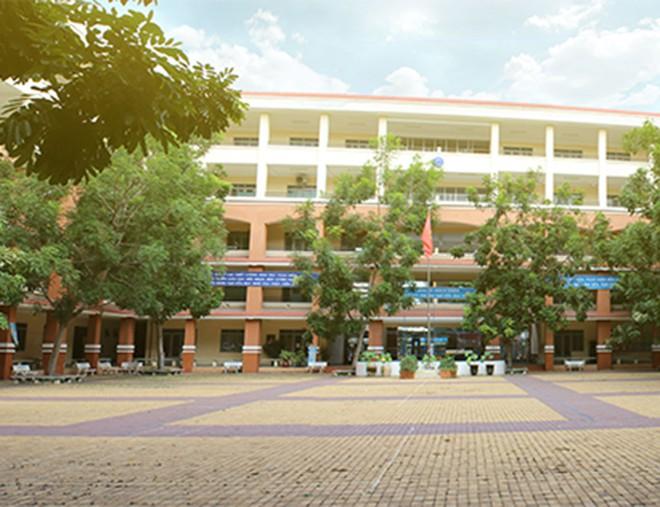 Dịch Covid-19 ngày 3/12: 32 bệnh nhân đang điều trị tại TP HCM; thêm hàng ngàn học sinh nghỉ học - Ảnh 1.