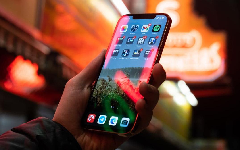 iPhone 12 Pro/ Pro Max bị cộng đồng phàn nàn dữ dội vì màn hình liên tục gặp lỗi