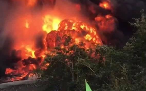 Xác định 4 nạn nhân người Việt Nam trong vụ nổ xe pháo lậu khiến 8 người thương vong