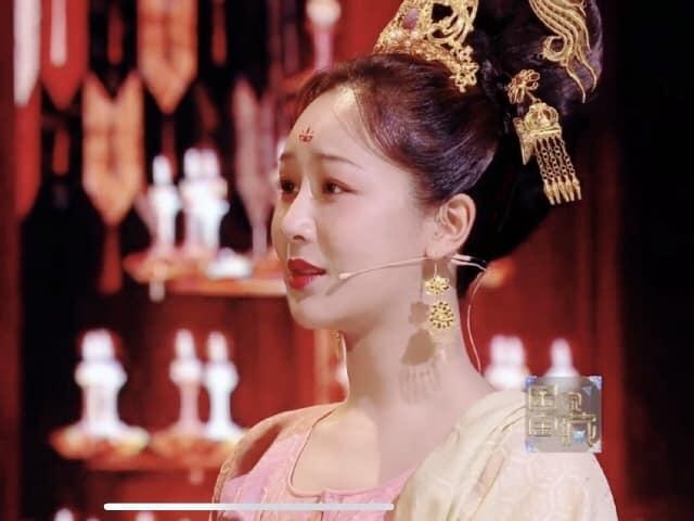 Dương Tử lộ ảnh chưa chỉnh sửa khi hóa công chúa thời Đường, fan vẫn hết lời khen ngợi: Mũm mĩm tí lại xinh! - Ảnh 4.