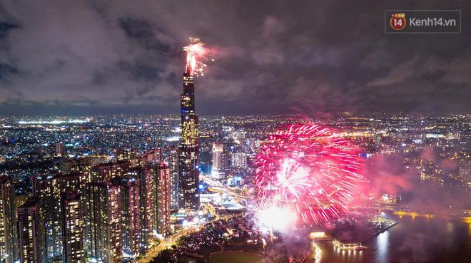 TP.HCM xin bắn pháo hoa chào mừng Tết Dương lịch 2021 - ảnh 1