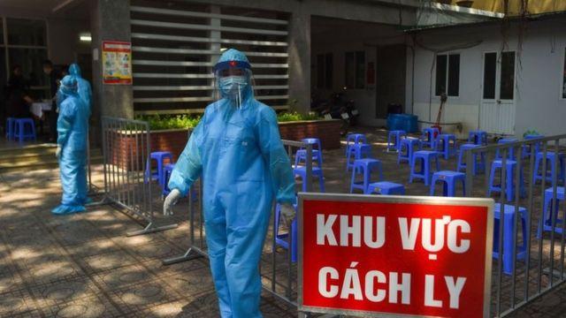 Dịch Covid-19 ngày 4/12: Thêm gần 1.000 người cách ly, cảnh báo 40% ca nhiễm không có triệu chứng - Ảnh 1.
