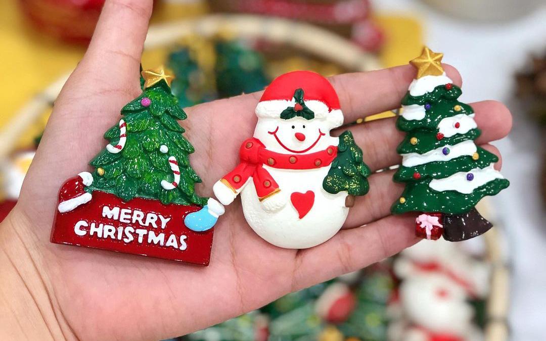 """6 shop bán đồ trang trí Giáng sinh cute """"ngập lối"""", xem giá lại càng yêu"""