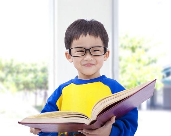 Nhờ phương pháp giáo dục sớm, cậu bé này 3 tuổi đã nhớ được 2000 ký tự nhưng kết cục sau đó khiến nhiều bố mẹ giật mình xem lại cách dạy con - ảnh 2