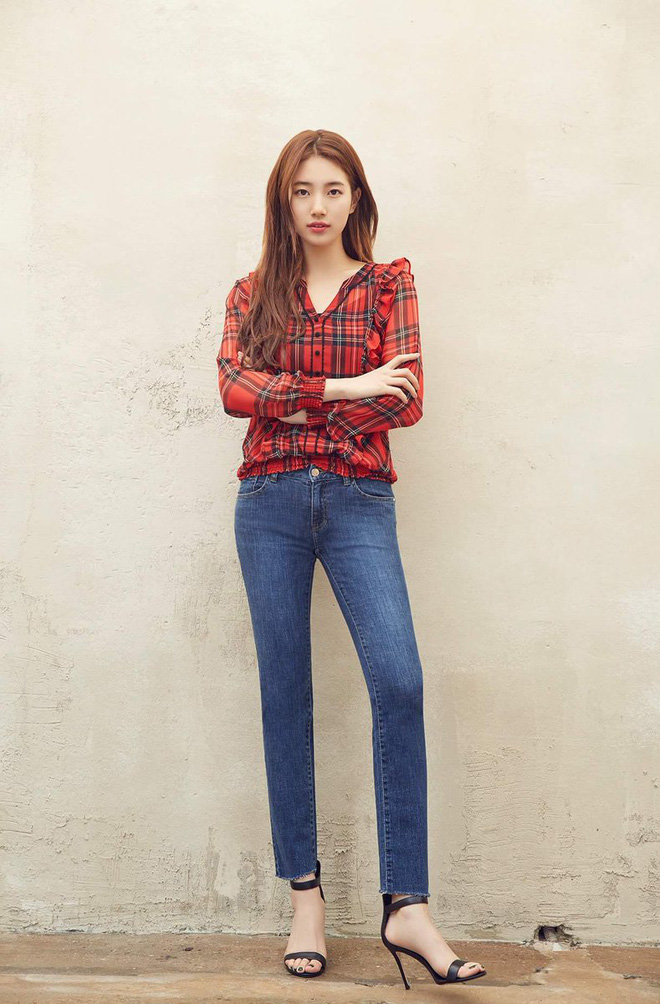 Suzy is famous for her long-legged Kbiz but Start Up is in the middle of the stars, drawing a 3-star leg is enough to understand!  Photo 3.