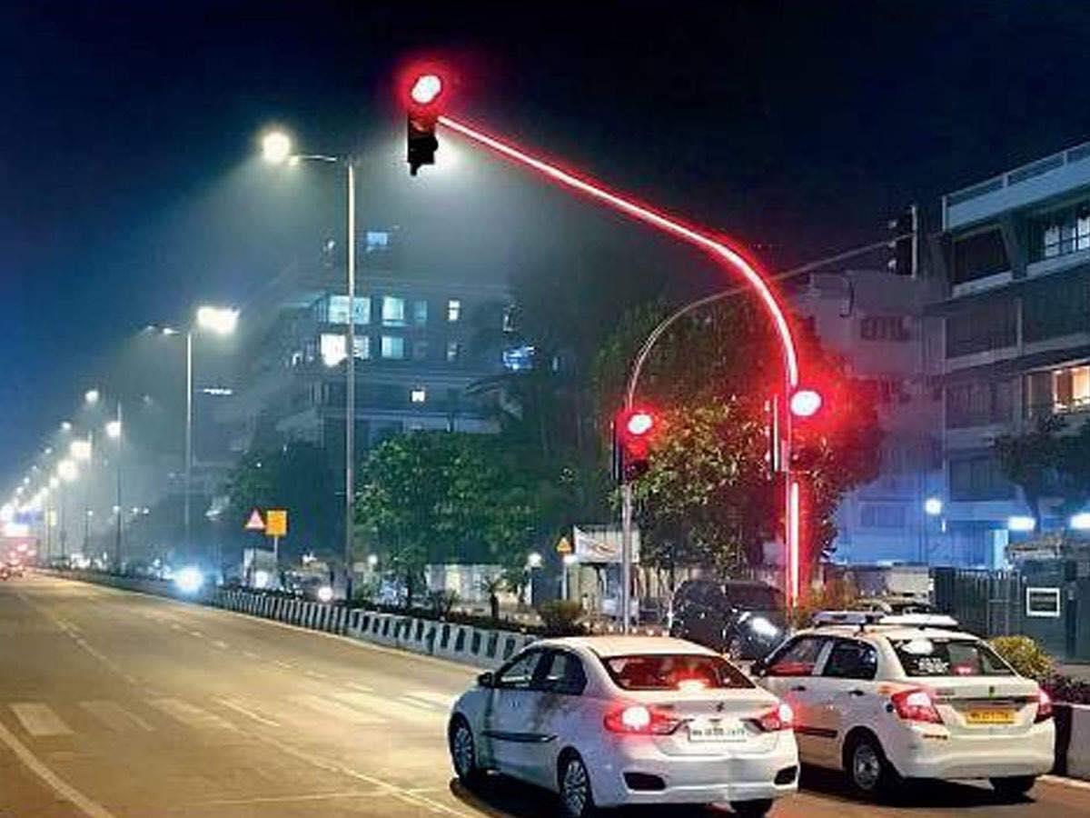 Ấn Độ chơi trội, lắp đặt nguyên hệ thống full LED lên đèn giao thông - Ảnh 3.