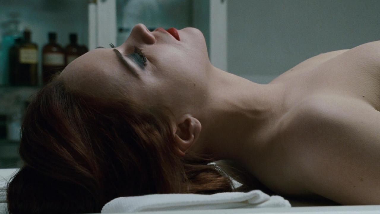 5 nữ diễn viên chịu khoe thân táo bạo đến 100% suốt cả phim, nhìn bỏng mắt mà vẫn rét run! - Ảnh 2.