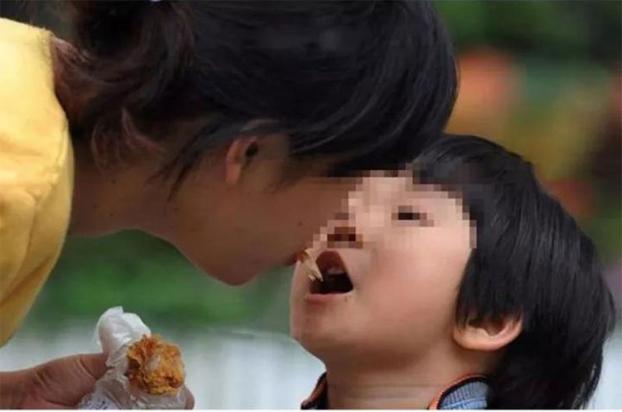 Loại vi khuẩn mà 70% người Việt đang nhiễm: Thuộc nhóm gây ung thư số 1, dễ lây lan cho nhau qua 4 thói quen tai hại khi ăn cơm - ảnh 3