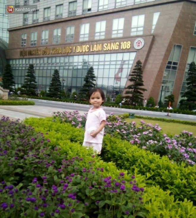 Bé gái 4 tuổi bị ung thư phải cắt bỏ 1 bên thận và câu nói nhói lòng trước ca xạ trị: Bố mẹ đừng khóc, con không đau đâu - Ảnh 4.