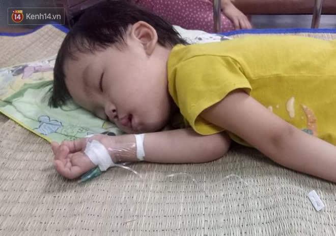 Bé gái 4 tuổi bị ung thư phải cắt bỏ 1 bên thận và câu nói nhói lòng trước ca xạ trị: Bố mẹ đừng khóc, con không đau đâu - Ảnh 5.