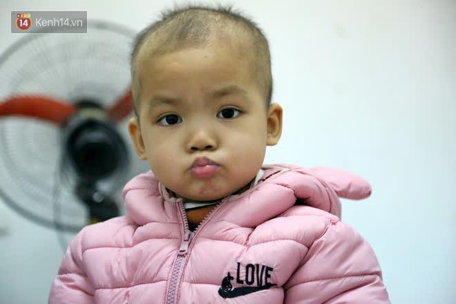 Bé gái 4 tuổi bị ung thư phải cắt bỏ 1 bên thận và câu nói nhói lòng trước ca xạ trị: Bố mẹ đừng khóc, con không đau đâu - Ảnh 11.