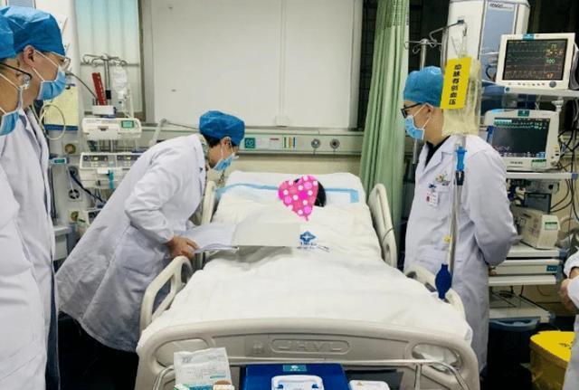 Nữ giáo viên 22 tuổi bỗng nhiên ngất xỉu, tiểu không tự chủ, máu chảy ra trắng như sữa khiến bác sĩ thấy cũng phải hoảng hồn - Ảnh 1.