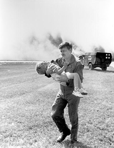 Cảm giác của hành khách trên một chuyến bay gặp nạn: Câu chuyện về vụ tai nạn hàng không kinh hoàng, nhưng cũng kỳ diệu nhất lịch sử nước Mỹ - ảnh 7