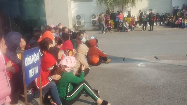 Nam Định: Hàng nghìn công nhân ngừng việc vì công ty cắt thưởng Tết - Ảnh 1.