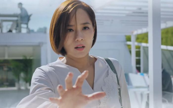 Chuyện chưa kể ở Penthouse: Eugene không biết mình giết người, Kim So Yeon lỡ tay đánh bạn diễn đến bật máu - Ảnh 2.