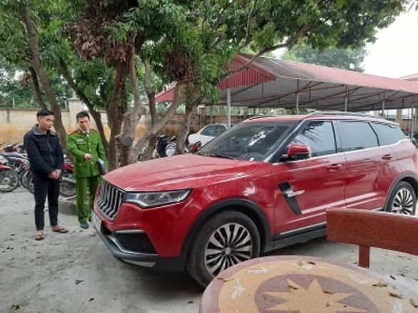 Hồ Văn Khoa - kẻ nổ súng vào ô tô của thánh chửi Dương Minh Tuyền đã ra đầu thú - ảnh 2