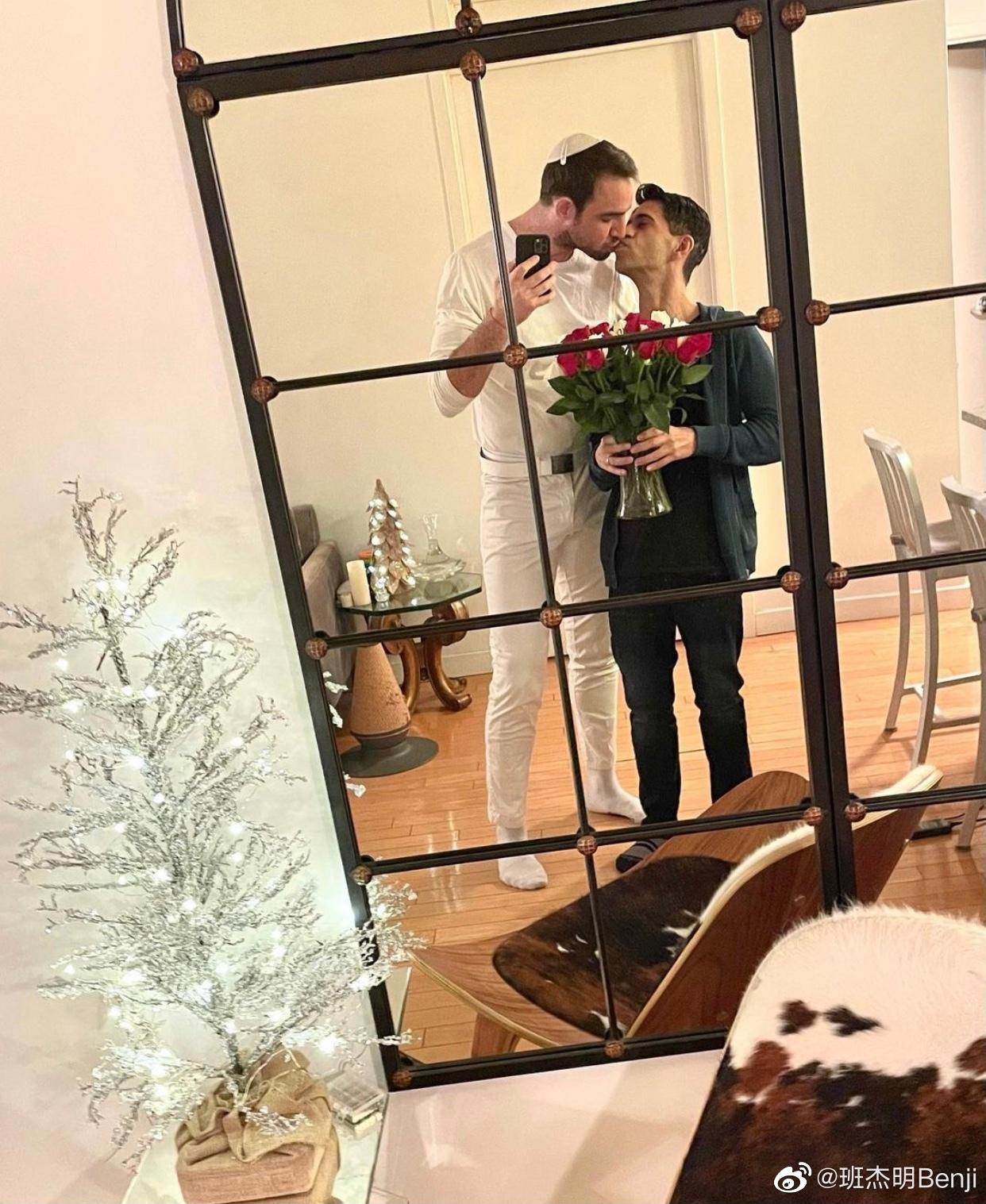Nam thần ngoại quốc duy nhất trong Hoàn Châu Cách Cách gây sốt khi cầu hôn thành công bạn trai đồng tính - Ảnh 3.