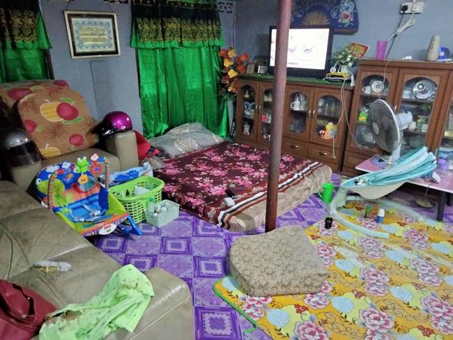 Đặt con 7 tuần tuổi một mình ở phòng khách rồi nghe thấy tiếng khóc, bà mẹ tức tốc chạy vào rồi chứng kiến cảnh tượng đẫm máu - ảnh 2