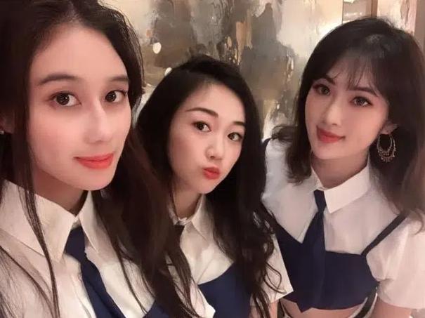 Công chúa Huawei thông báo gia nhập showbiz, dư luận lập tức gọi hồn con gái út Vua sòng bài Macau về hình ảnh Nhóm nữ tỷ đô - Ảnh 2.