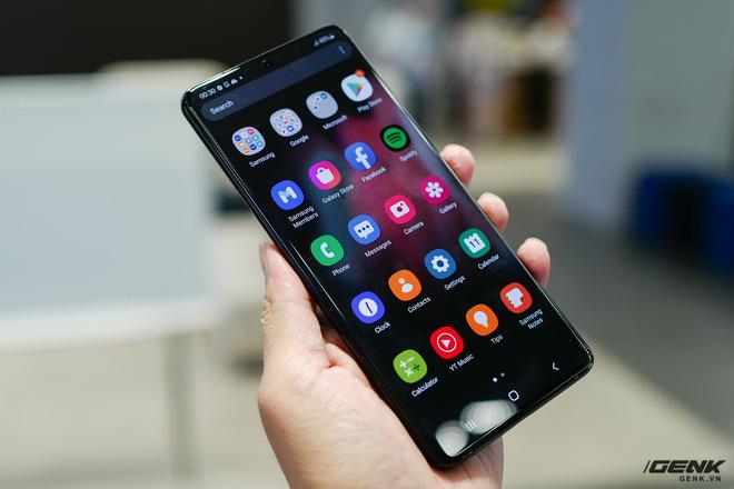 Trên tay Galaxy S21 và S21 Ultra vừa ra mắt: Làm chủ cuộc chơi với thiết kế đổi mới, camera nhiều nâng cấp về phần cứng lẫn phần mềm - ảnh 1