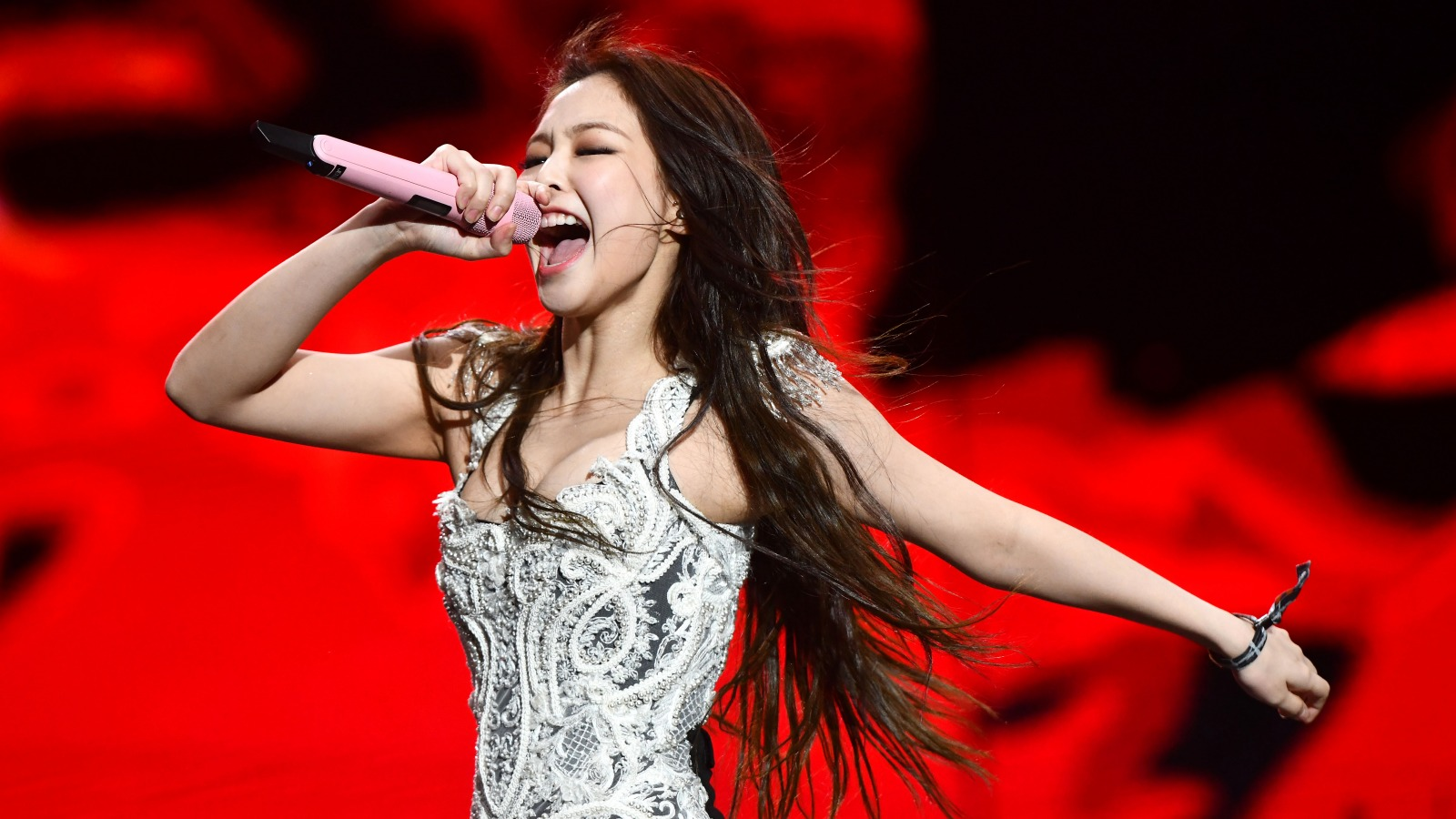 Jennie - báu vật vô giá của YG: Trong BLACKPINK là thành viên đại diện của nhóm, ra solo lại lập kỷ lục lịch sử - Ảnh 8.